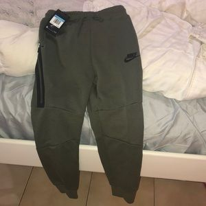 BRAND NEW NIKE BOYS JOGGERS